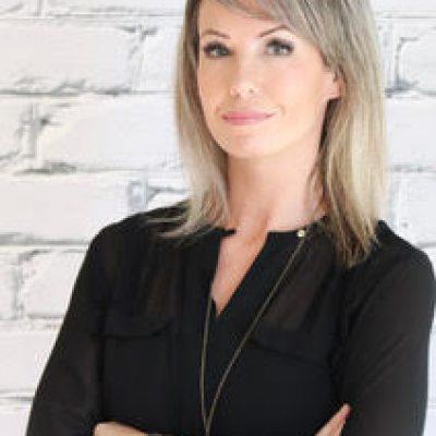 Jennifer Mackinnon Bio
